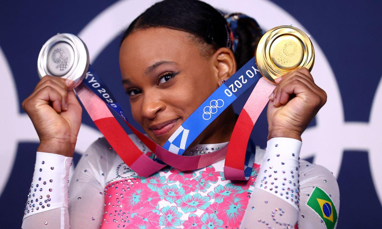 ganhei-muito-mais-do-que-so-medalhas,-diz-rebeca-apos-feitos-ineditos