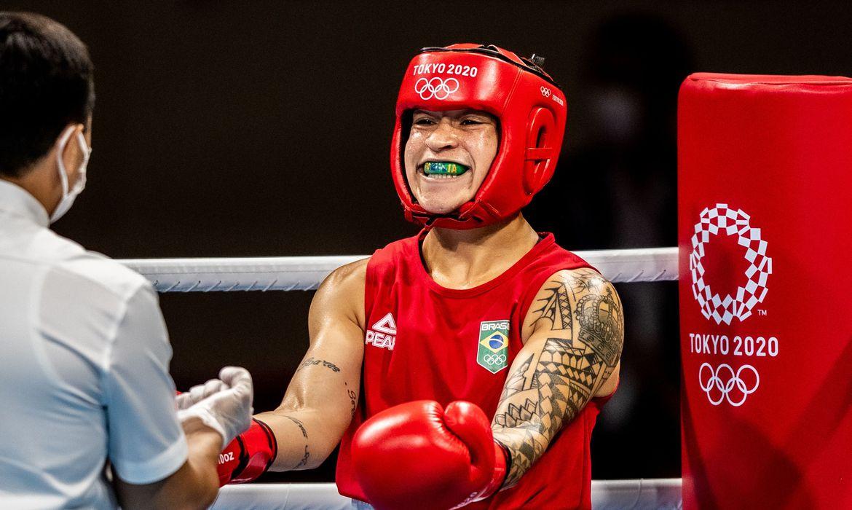 toquio:-bia-ferreira-e-hebert-conceicao-vao-lutar-pelo-ouro-no-boxe