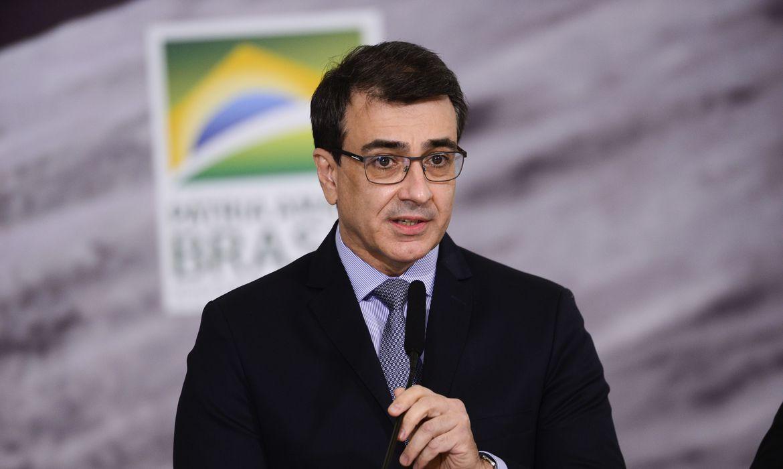 ministro-defende-transferencia-de-tecnologias-para-producao-de-vacinas
