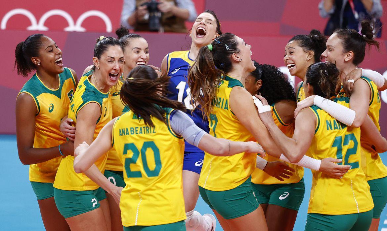 jogos:-brasil-bate-coreia-do-sul-e-pega-eua-na-final-do-volei-feminino