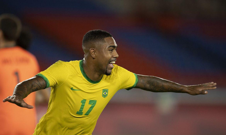 brasil-garante-ouro-em-toquio-com-futebol-masculino,-boxe-e-canoagem