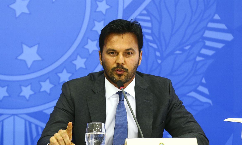 ministro-fabio-faria-esclarece-uso-de-recursos-para-acoes-contra-covid