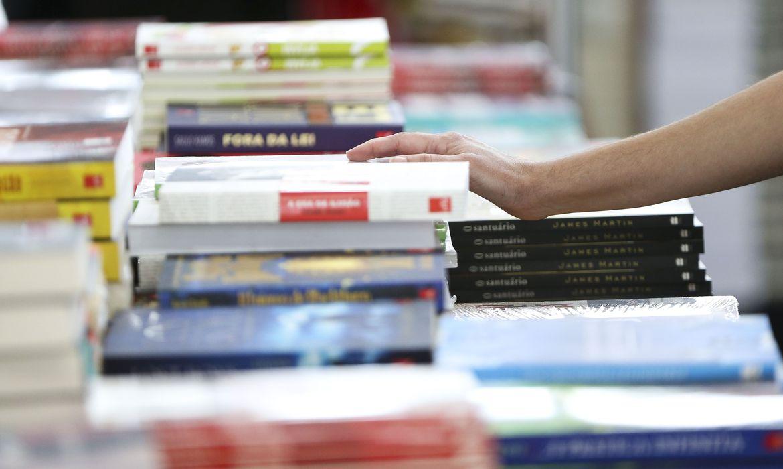 venda-de-livros-no-primeiro-semestre-aumenta-48,5%-em-relacao-a-2020