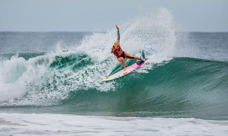 surfe:-tatiana-weston-webb-se-garante-nas-quartas-de-final-no-mexico