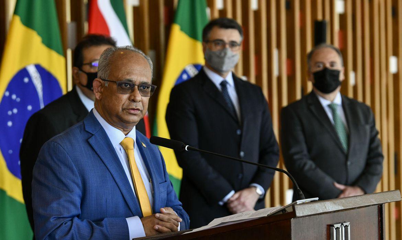 brasil-pode-colaborar-com-suriname-no-setor-do-petroleo,-diz-ministro