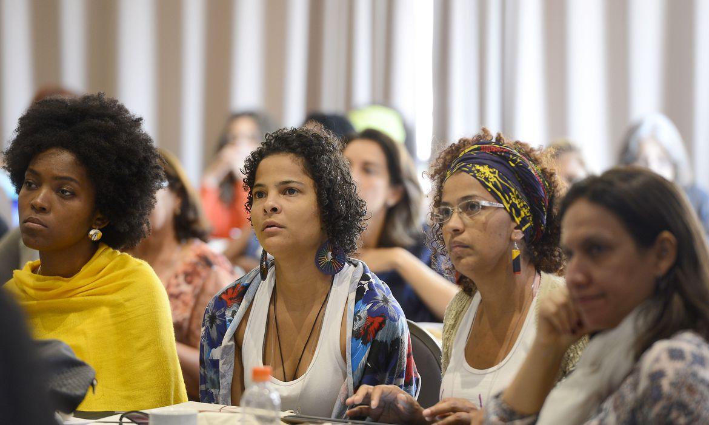 estudo-mostra-que-pandemia-piorou-cenario-de-emprego-para-as-negras