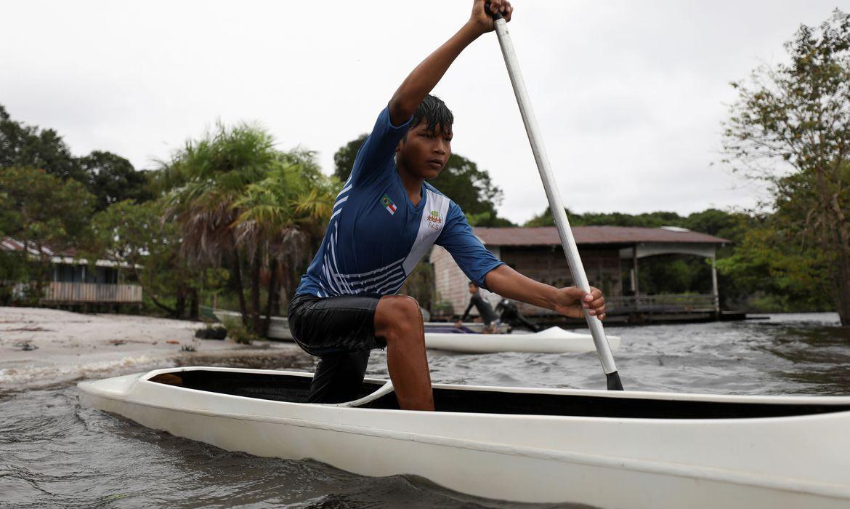 ouro-de-isaquias-queiroz-na-olimpiada-inspira-criancas-da-amazonia