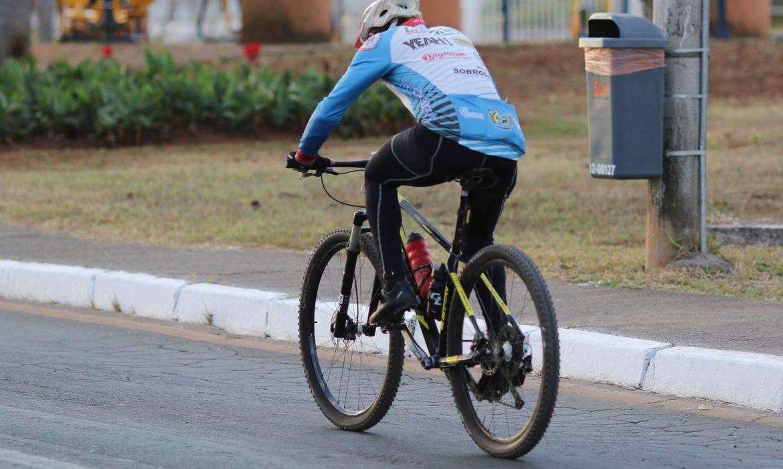 ciclista:-dia-nacional-alerta-sobre-desafios-para-transito-mais-seguro