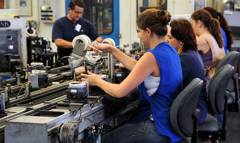 cni:-alta-na-producao-e-no-emprego-mostram-aquecimento-da-industria