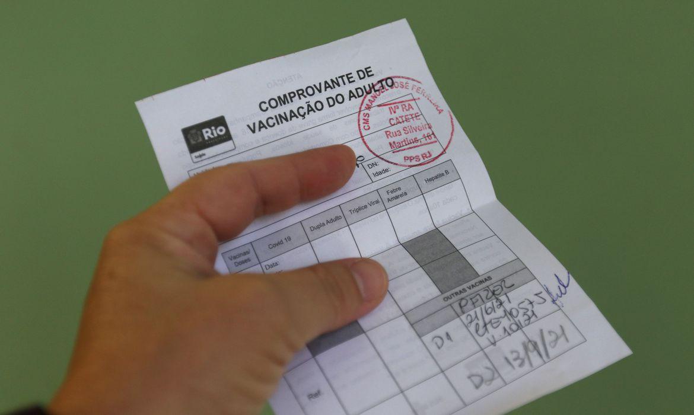 """mais-da-metade-das-prefeituras-concorda-com-""""passaporte""""-da-vacina"""