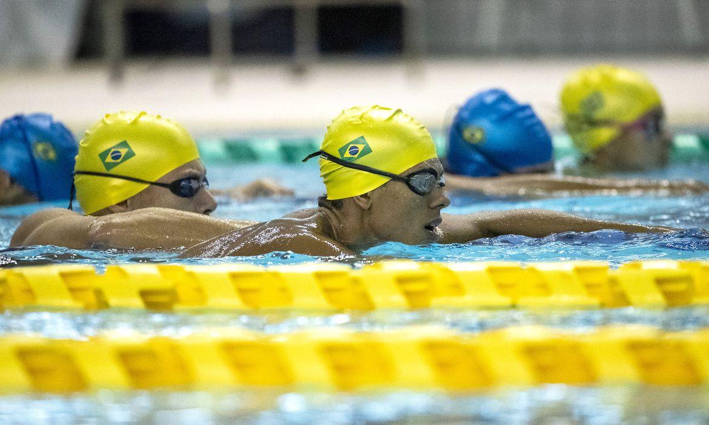brasil-tera-time-de-revezamento-na-final-da-natacao-em-toquio