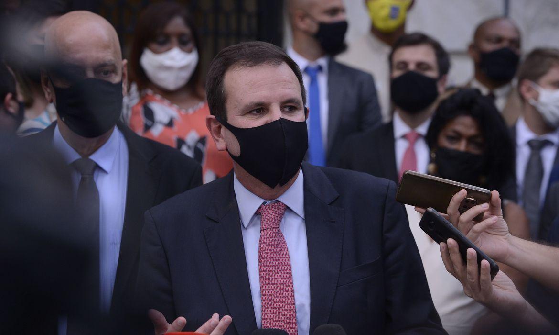 prefeito-defende-exigencia-de-vacinacao-a-partir-de-setembro-no-rio