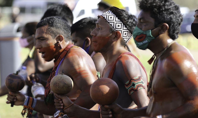 indigenas-voltam-a-protestar-em-brasilia-contra-marco-temporal