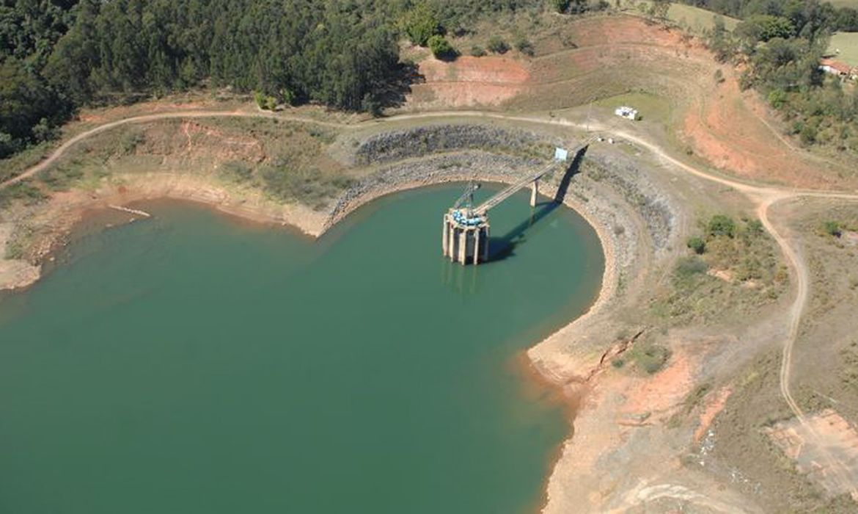 seca-prejudica-abastecimento-de-agua-e-geracao-de-energia-no-rio-e-sp
