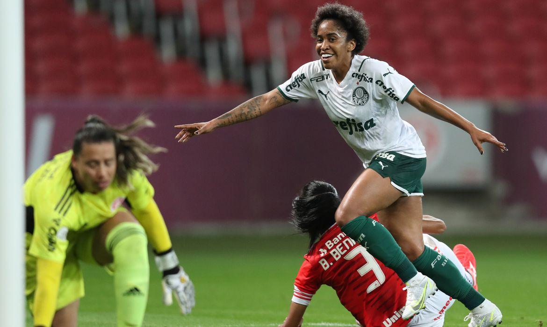 brasileiro-feminino:-palmeiras-sai-na-frente-do-inter-na-semifinal