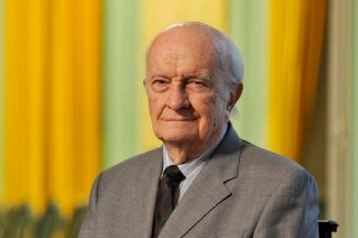 ABL declara vaga cadeira do diplomata Affonso Arinos de Mello Franco