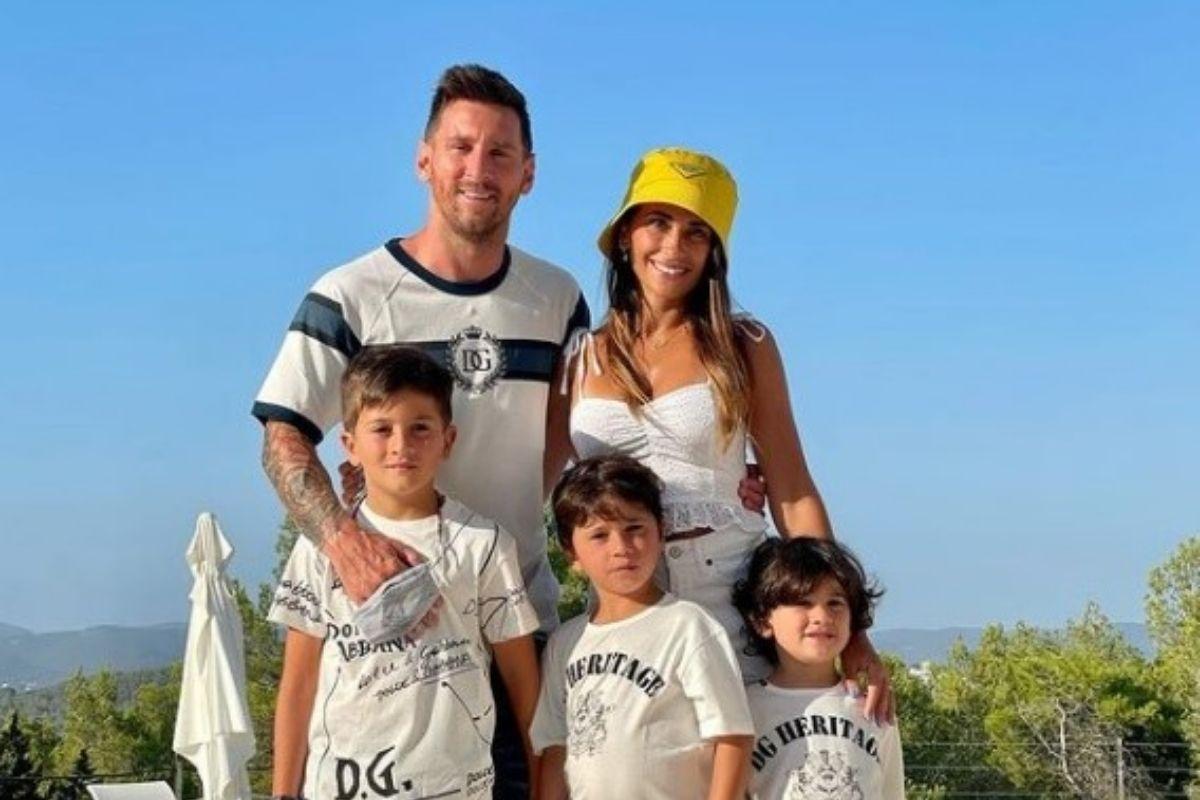 Antes da despedida do Barcelona, Messi estava em Ibiza com sua família