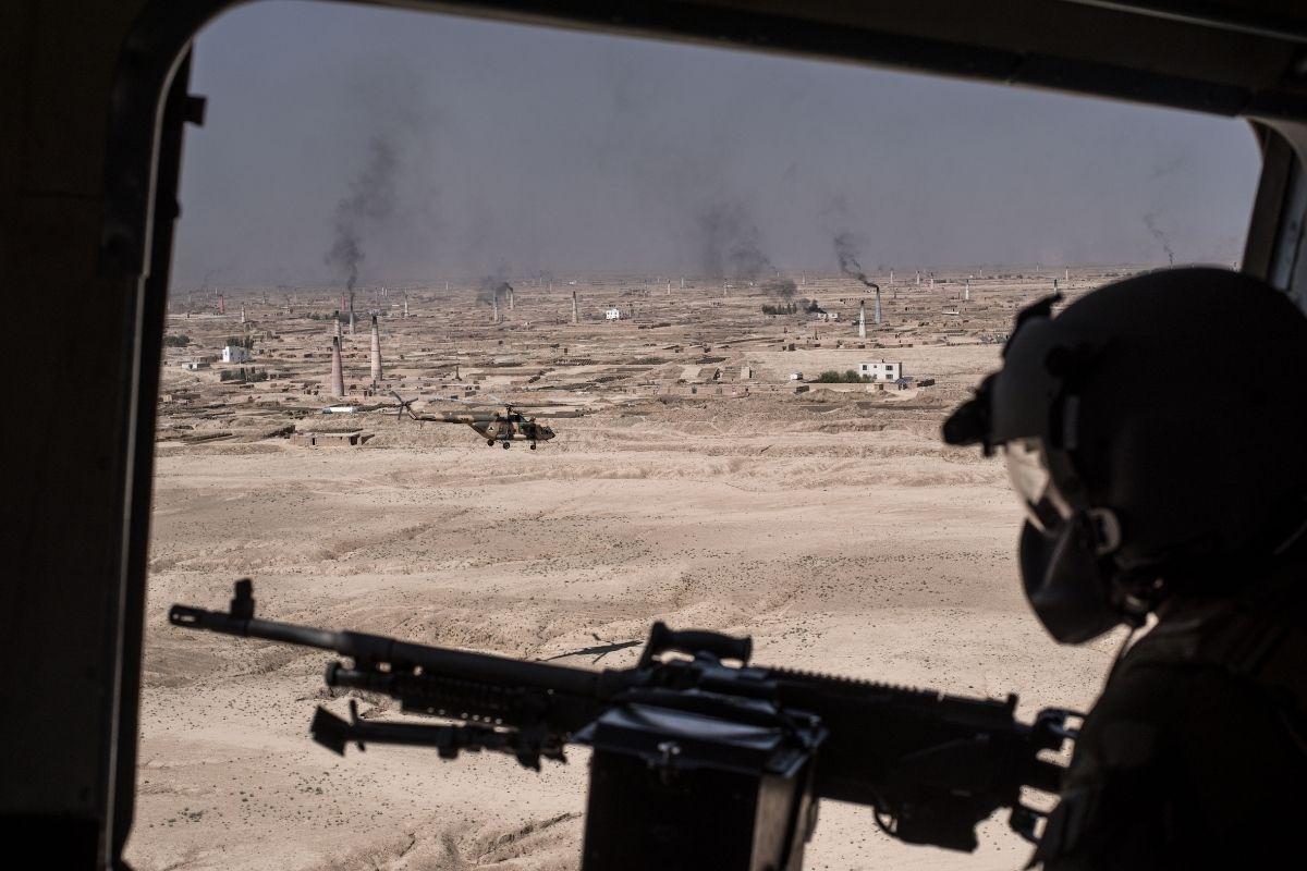 Entenda a crise no Afeganistão e impactos para residentes