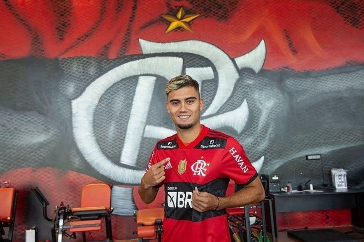 Flamengo apresenta jogador belga Andreas Pereira