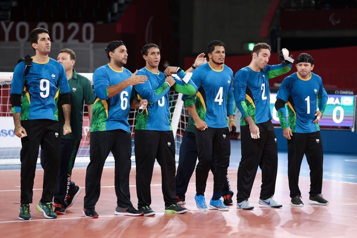 goalball-selecao-masculina-vence-argelia-de-virada-e-vai-as-quartas