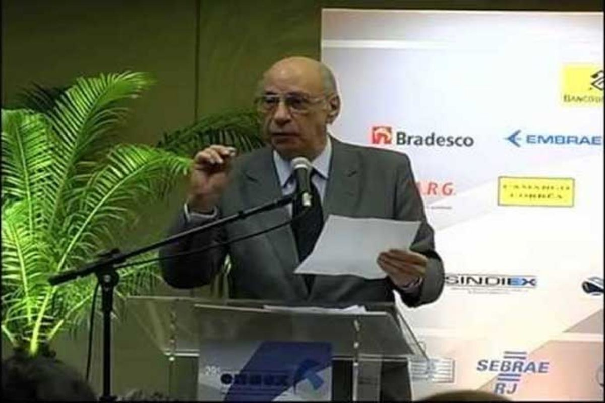 Morre no Rio, aos 91 anos, ex-presidente da AEB e da Petrobras