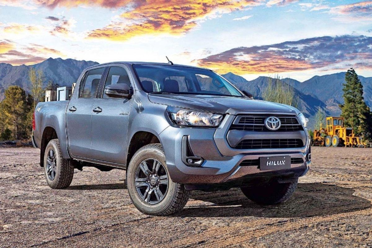 O próximo Toyota Hilux terá melhorias em conforto