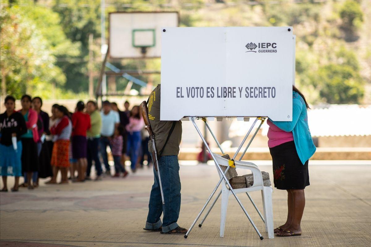 Os presidentes democráticos se sustentam com votos