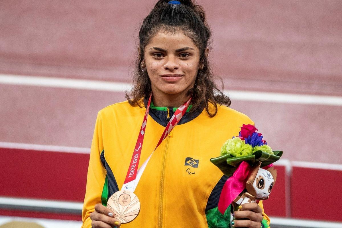 paralimpiada-jardenia-felix-conquista-bronze-nos-400-metros