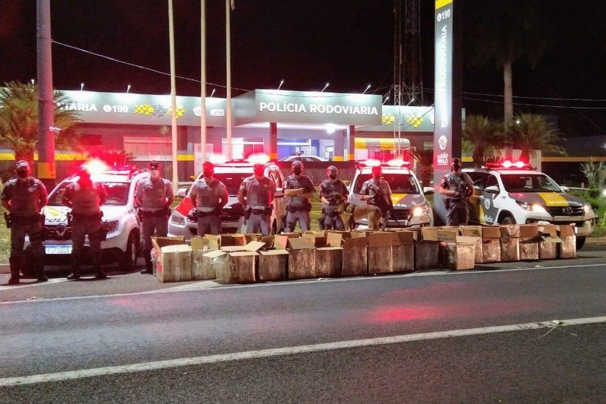 Polícia Civil do Rio e PF apreendem 2,7 toneladas de maconha