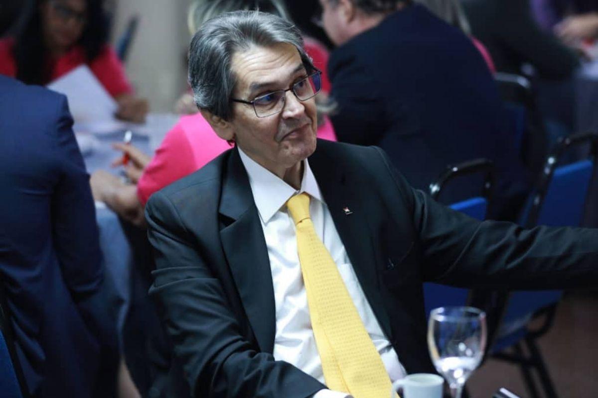 Polícia Federal prende Roberto Jefferson, presidente nacional do PTB