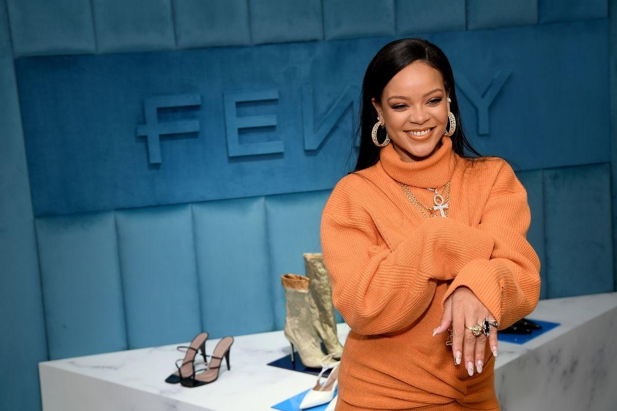 Rihanna entra na lista de bilionários da Forbes