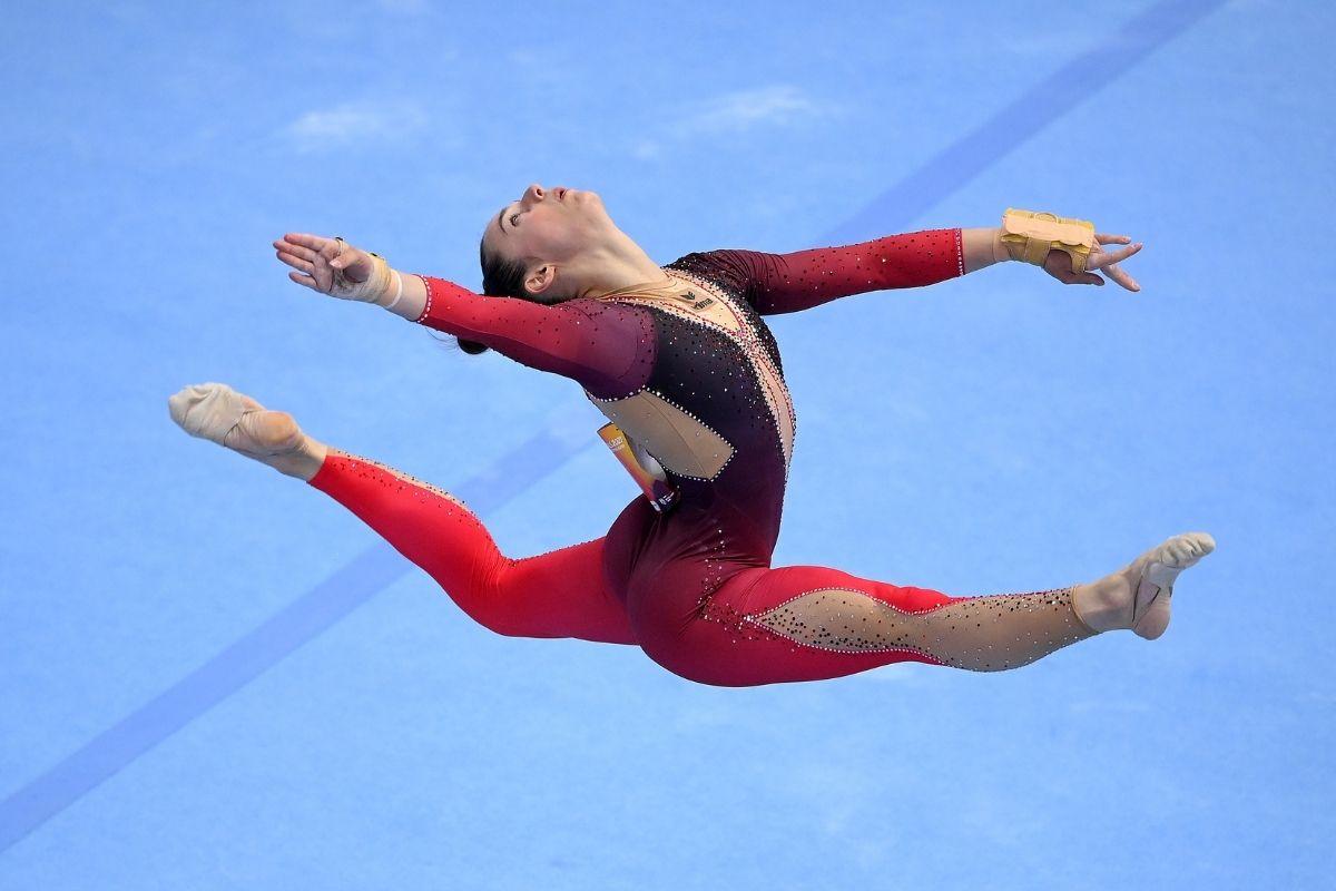 Sexualização de uniformes femininos no esporte é criticada por atletas