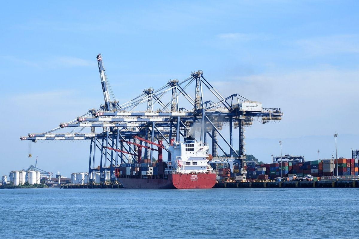 Três casos da variante delta são confirmados no Porto de Santos