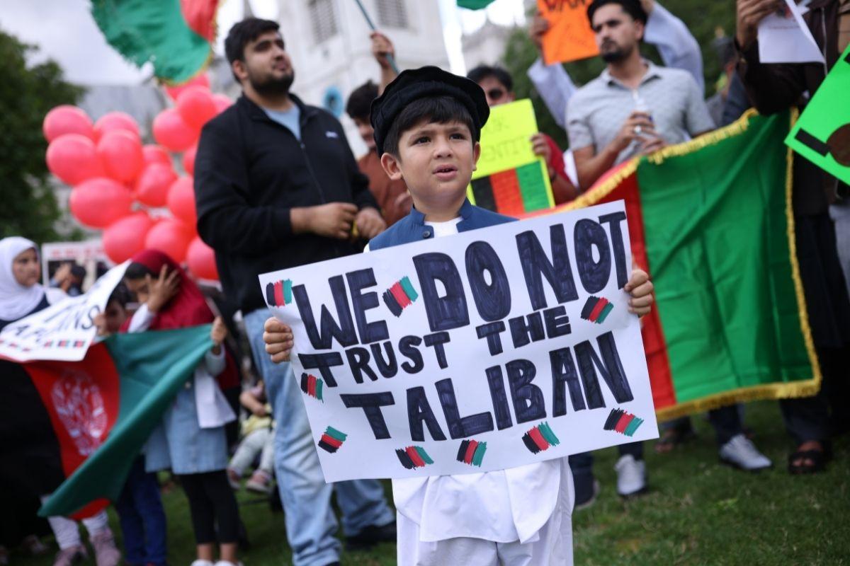 Vidas afegãs não importam