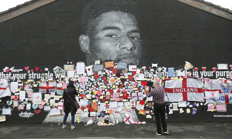 britanico-e-condenado-por-ofensas-racistas-contra-jogadores