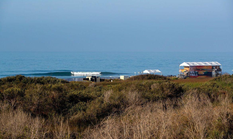 surfe:-wsl-finals-continua-aguardando-boas-ondas-para-comecar