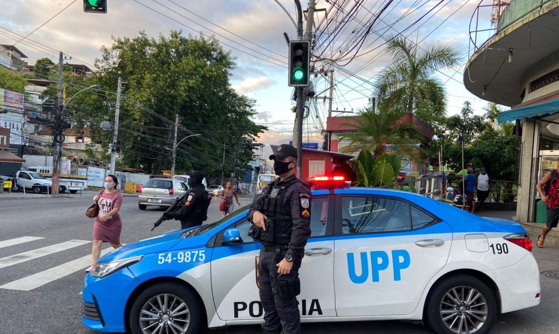 policiamento-e-reforcado-em-area-disputada-por-milicias-no-rio