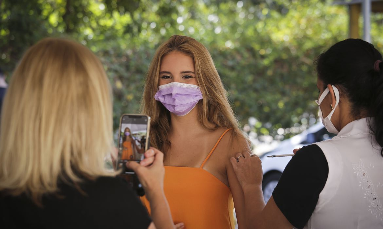 df-anuncia-vacinacao-de-jovens-de-13-anos-a-partir-deterca-feira