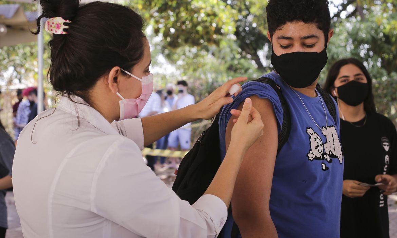 rio-de-janeiro-antecipa-calendario-de-vacinacao-contra-a-covid-19