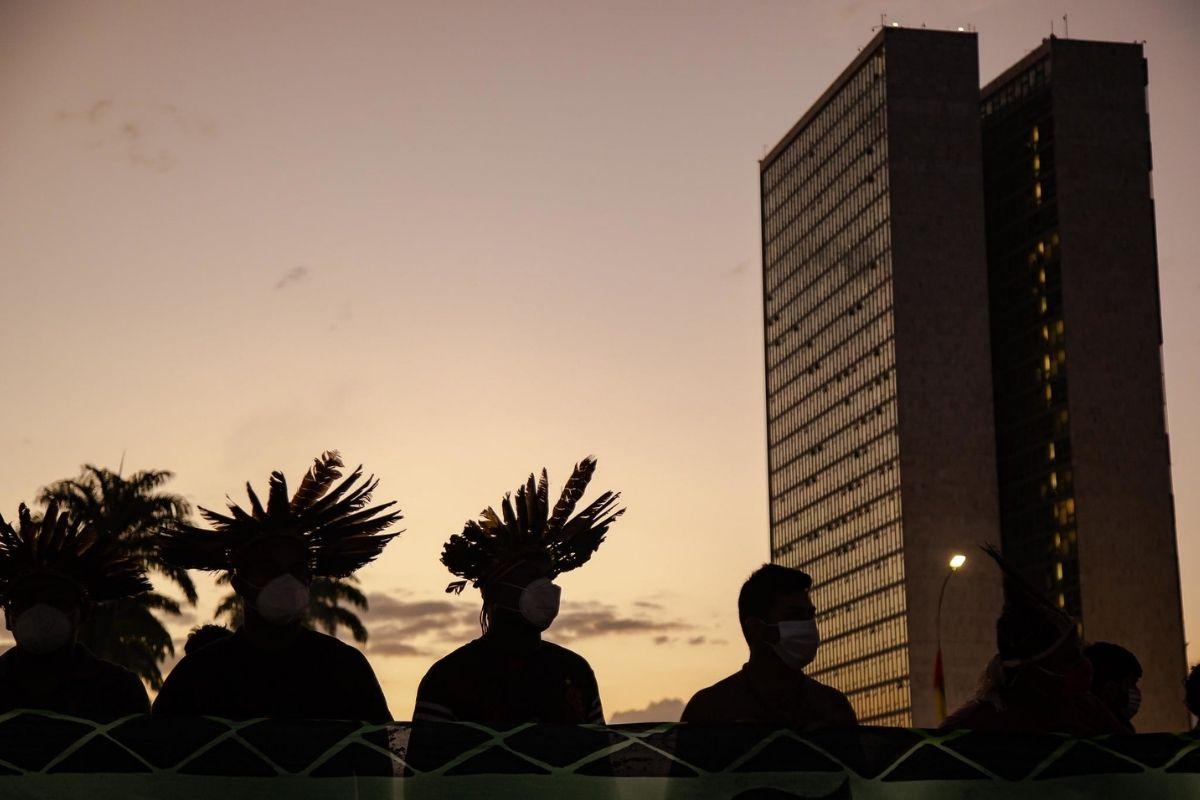 A Tese do Marco Temporal ataque final às culturas indígenas e à Constituição