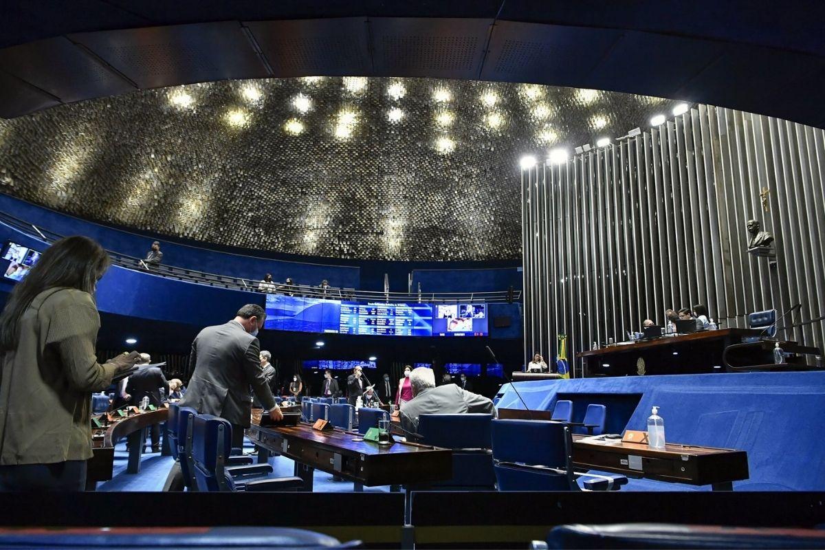 CCJ do Senado aprova a PEC da reforma eleitoral sem a volta das coligações