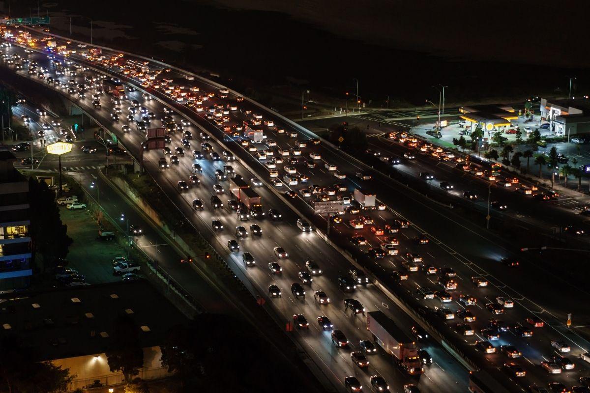 motoristas-enfrentam-congestionamento-no-sentido-do-litoral-paulista