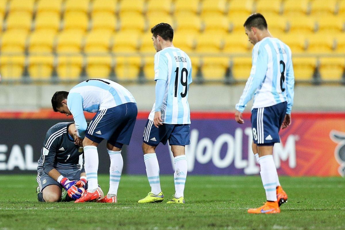 quatro-jogadores-argentinos-nao-devem-entrar-em-campo-contra-o-brasil