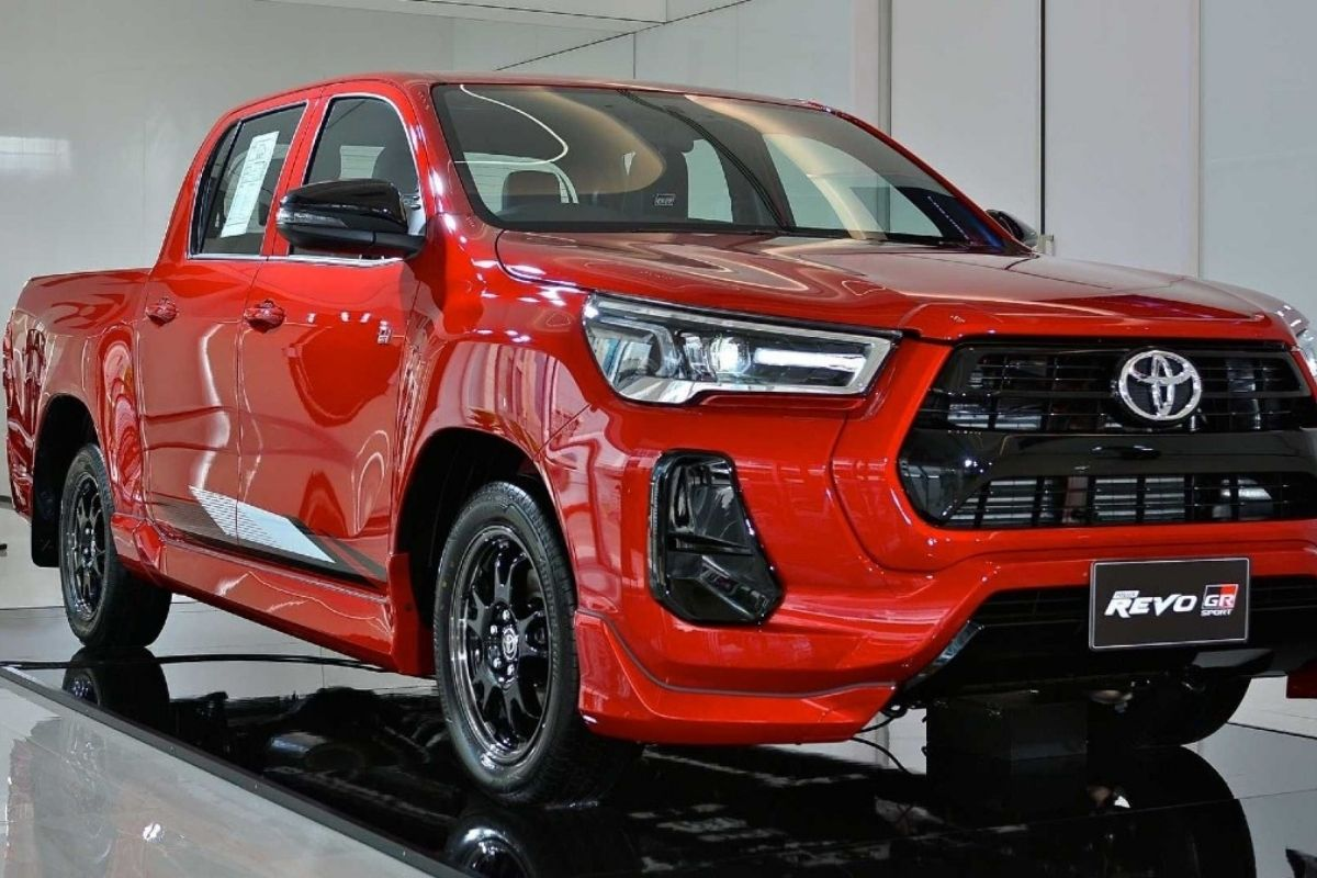 Toyota apresenta novo Hilux GR Sport com suspensão rebaixada