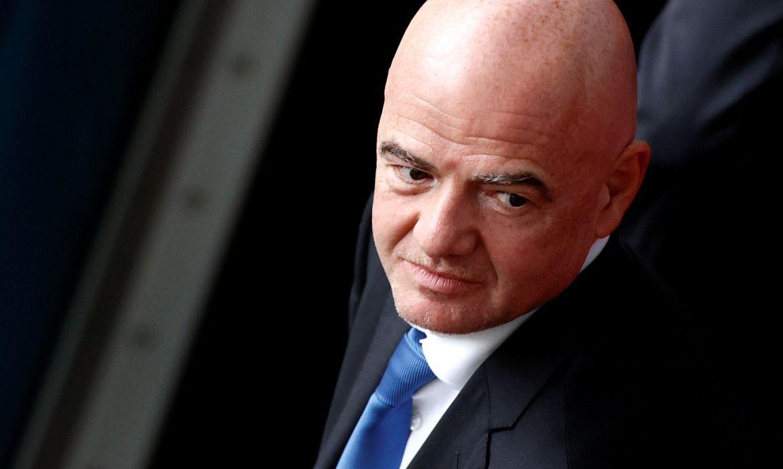 presidente-da-fifa-volta-a-defender-copa-do-mundo-a-cada-dois-anos